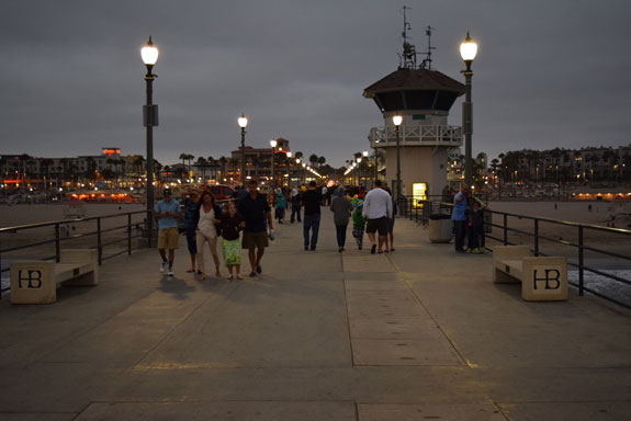 Huntington Beach Pier - looking back at shore