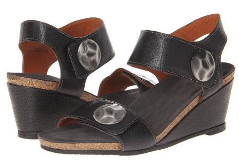 black Taos Boardwalk sandals