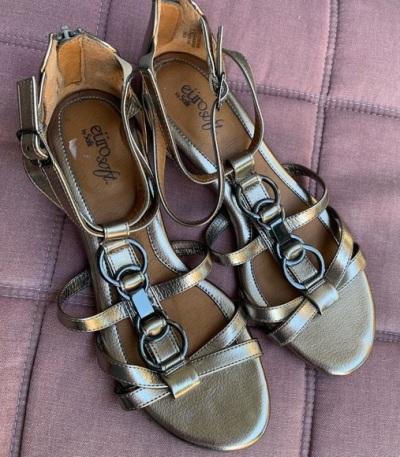 metallic Eurosoft wedge sandals